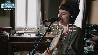 Смотреть клип Waxahatchee - No Curse