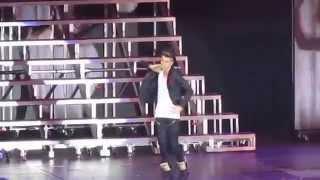 She Don't Like The Lights - Justin Bieber Live