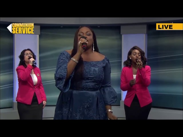 sinach-latest-majesty-i-stand-in-awe-of-you-with-lyrics-sinach-live