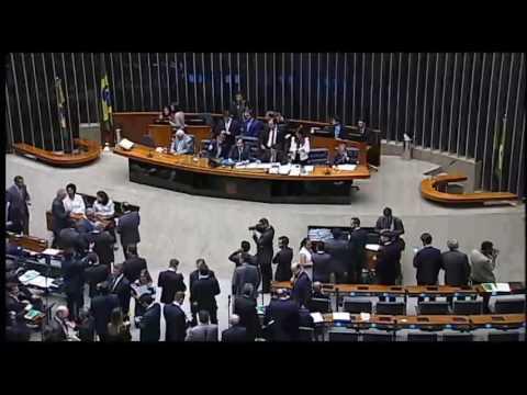 Plenário aprova PEC do Teto de Gastos em primeiro turno