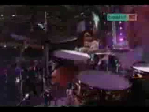 Kelly Osbourne Papa Dont Preach Live