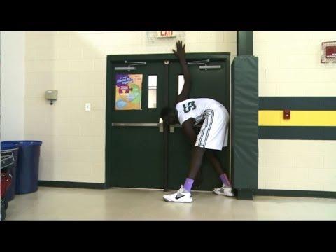 Wow! Teen basketball
