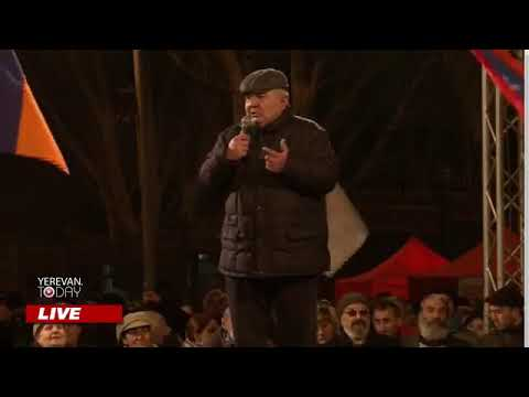 Генерал Юрий Хачатуров на митинге поддержки требования Генштаба Армении по отставке Никола Пашиняна