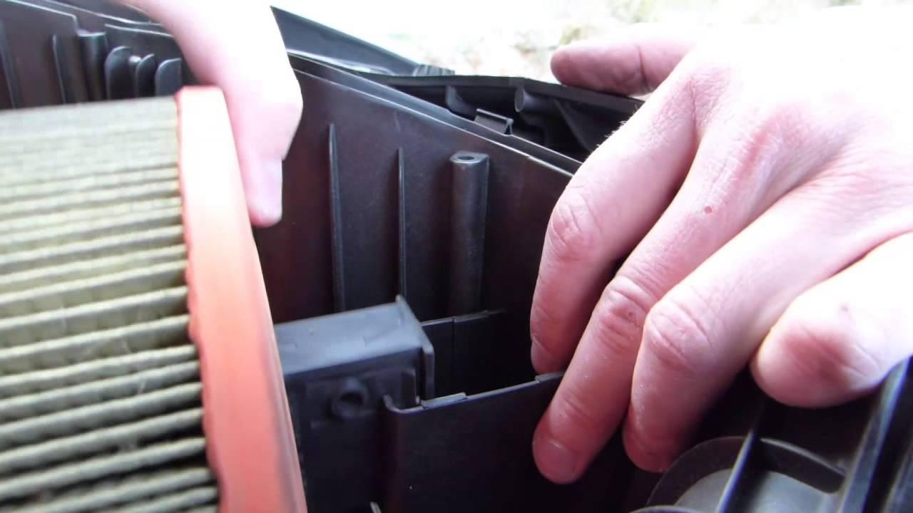 Comment changer le filtre air sur bmw 330i e90 e91 e92 e93 youtube - Comment changer chambre a air ...