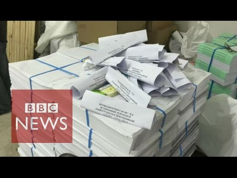 Greece: How to organise a referendum in a week - BBC News