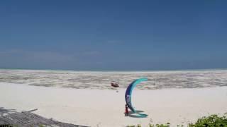 Грандиозный прилив 4.7м на острове Занзибар.  Tide on the island of Zanzibar. 4K