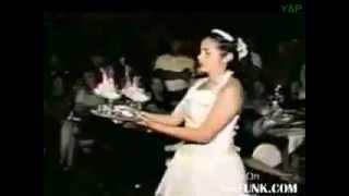 ЖЕСТЬ! На невесте платье загорелось!