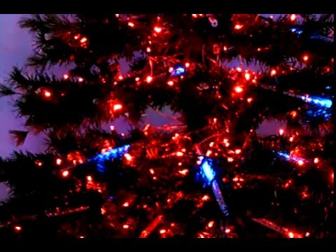 cool starburst effect on christmas tree using meteor lights