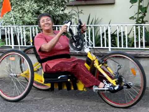 Handbike vtt pour handicap moteur handisport youtube for Piscine pour handicape moteur