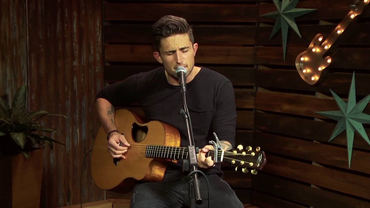 Michael Ray - Sunday Morning Coming Down (Forever Country Cover Series)