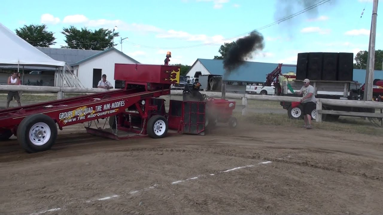 Mini Compact Diesel Tractor Pulling Youtube