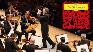 Gambar cover Gustavo Dudamel, the LA Phil and Tchaikovsky: A Masterful Combination!