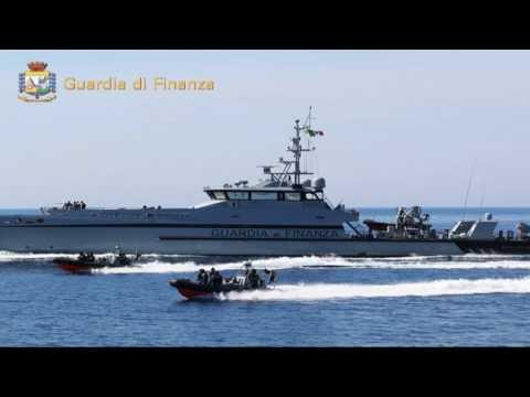 Marsala: trafficavano migranti e sigarette, fermati due scafisti tunisini