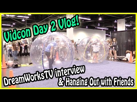 Vidcon Day2 Vlog - DreamWorksTV Interview & Having Fun With Friends #momlastic #augebob