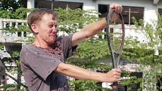 Repeat youtube video แทบอ้วก!! ฝรั่งเล่นพิเรน เลือดหมูกระเด็นใส่หน้า ในสโลโมชั่น