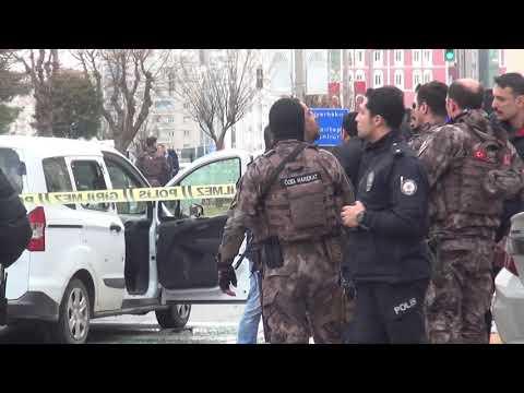 Kırmızı Işıkta Araça Silahlı Saldırı: 1 Ölü 3 Yaralı