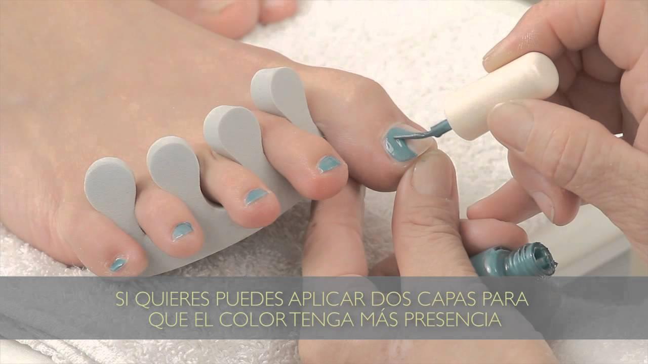 Cómo pintar las uñas de los pies : Tips para pedicuría - YouTube