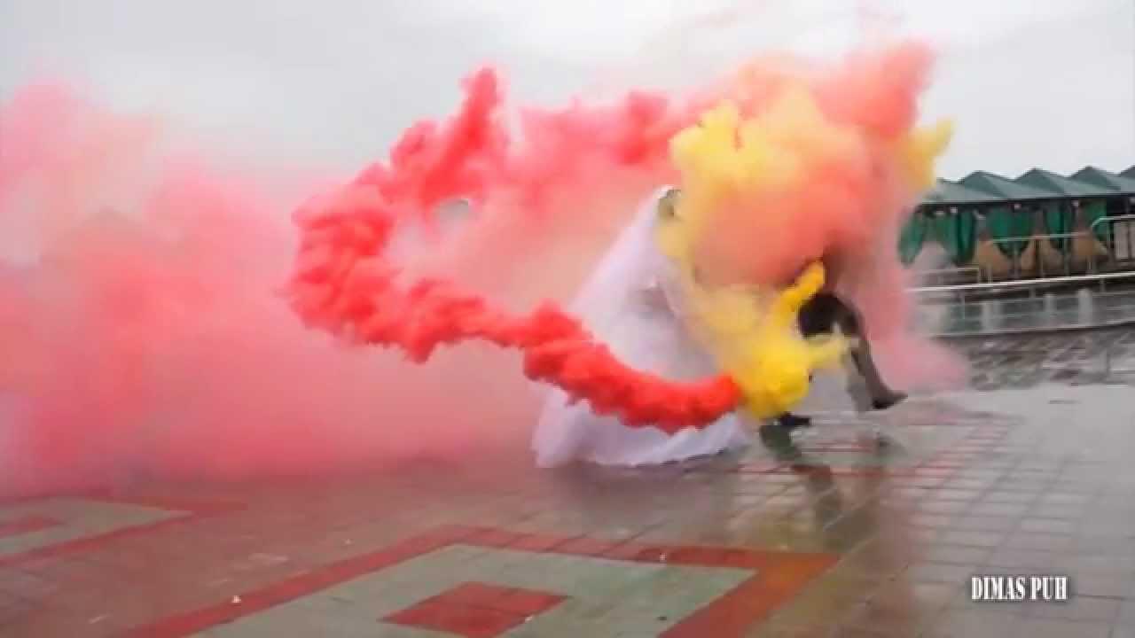 4 авг 2018. Fum colorat este disponibil in 6 culori: (rosu, galben, albastru, verde, portocaliu, alb) (fumul nu pătează hainele) 1 buc 50 lei цветной дым.