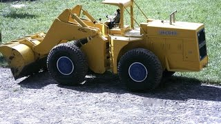 Vintage construction equipment in scale 1/10 RC
