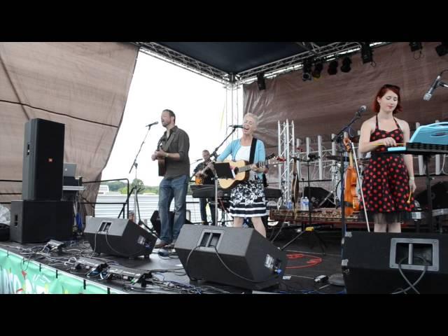 Big Little Lions  -  Live at Paper City Music Festival