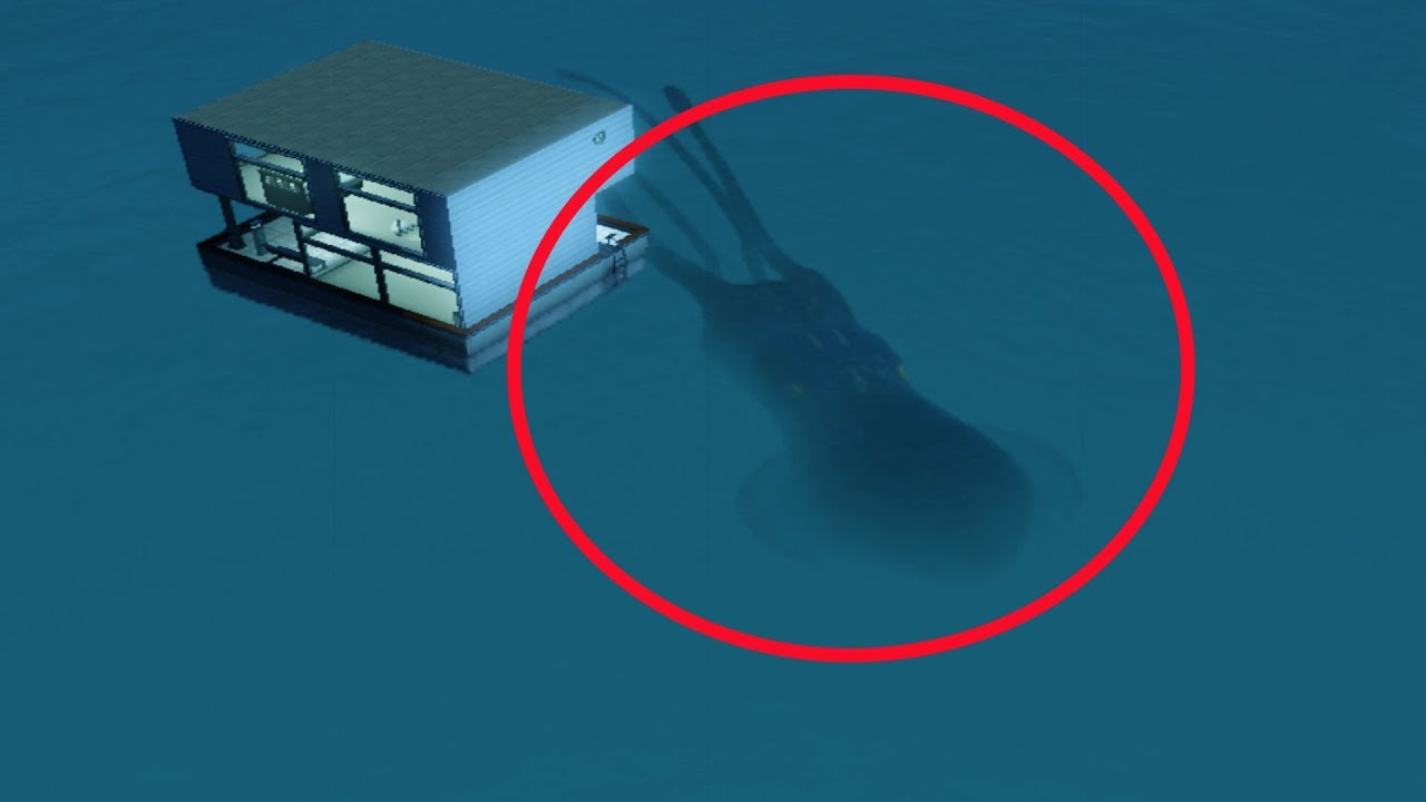 5-mysterious-gigantic-creatures-accidentally-caught-on-camera
