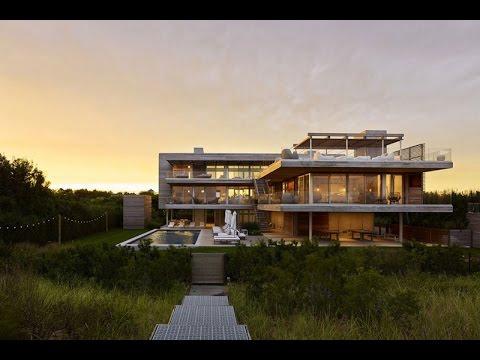 Modern House In Front Of Ocean Designed With Large Deck in Bridgehampton, New York
