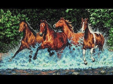 Вышивка бегущая лошадь крестиком