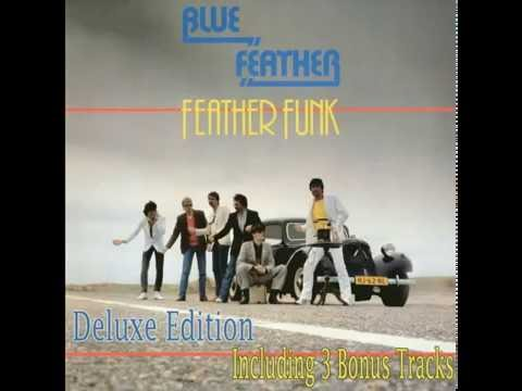 The Feather Girl – Everything Feathers