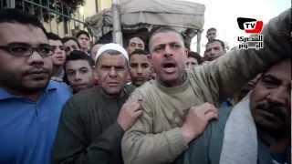 أهالي يمثلون بجثث متهمين بخطف أطفال في المحلة