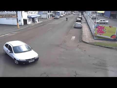 PM divulga imagens de acidentes graves de moto em Chapecó