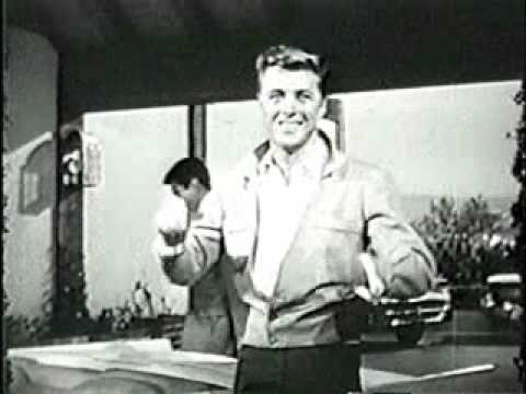 opening titles  to 77 Sunset Strip