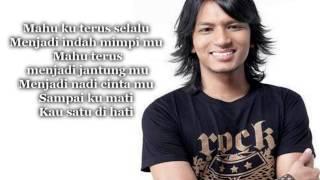 (HD) Permaisuri - Faizal Tahir (lirik)