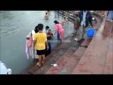 Most Viral Open bathing at Ganga River 2018, Haridwar