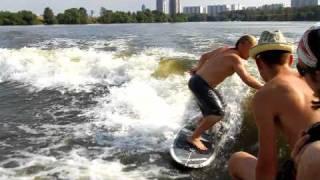 Смотреть видео Вейксерфинг в Москве онлайн