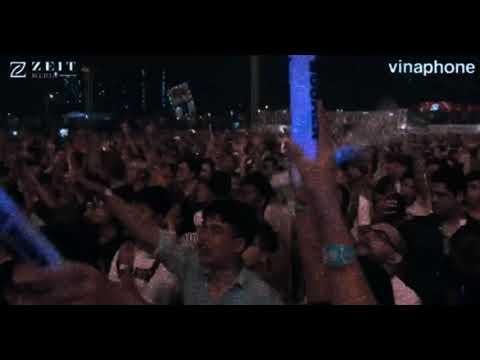 Armin van Buuren feat. Josh Cumbee - Christmas Days @ Live at Ho Chi Minh City, Vietnam