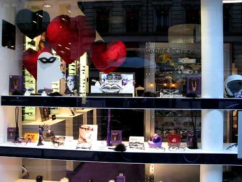vitrine de la saint valentin de l 39 opticien les plus belles On decoration vitrine saint valentin