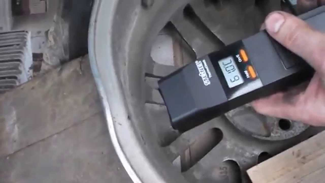 Diy straightening a bent alloy rim in your driveway youtube rubansaba