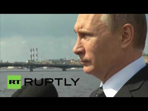 Russia: Putin leads Russia's Navy Day celebrations in Saint Petersburg