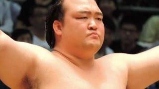 稀勢の里、初優勝へ! 土俵際で執念の相撲を見せる 隠岐の海・遠藤戦 大...