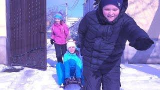 РОМА КУКЛА КСЮ! Снежная БИТВА