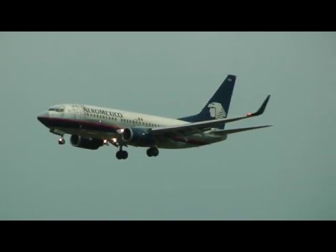 AeroMexico landing in Toronto, COMMS, runway 24L.  May 15, 2016