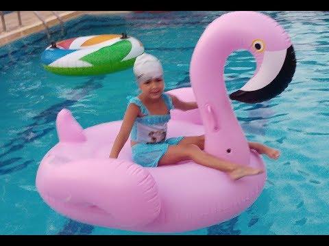 DEV FLAMİNGO Havuz oyuncağı eğlenceli çocuk videosu