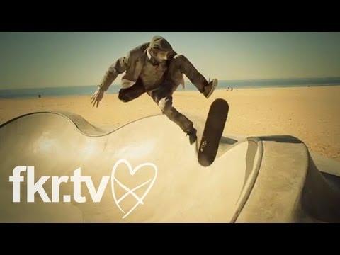 "Les Savy Fav - ""Sleepless in Silverlake"" (Official Music Video)"