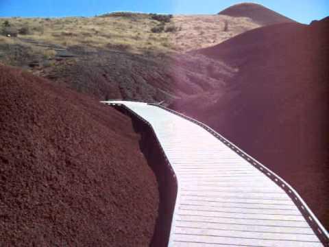Trail through Painted Hills