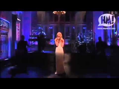 Lana Del Rey - was she really that bad on SNL?