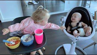НАОМИ И малыш Дэвид завтракают! Целый день.