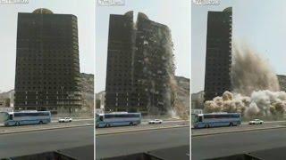 2015年8月24日にサウジアラビアのメッカで起きたビル倒壊事故。 作業員...