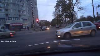 видео хамы на дорогах, как не надо поворачивать на перекрестках 2(В этом видео вы увидите незаконные остановки, беседы инспекторов с гражданами возможно вы для себе что..., 2014-03-20T09:00:51.000Z)
