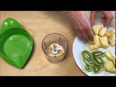 frullati dananas con prezzemolo per addome dimagrante