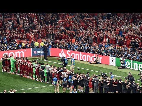 Goosebumps! Spine tingling rendition of You'll Never Walk Alone by Liverpool fans and players